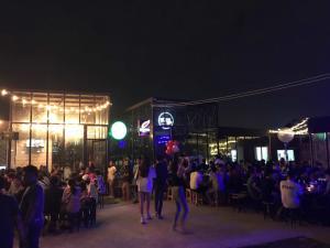เซ้ง!! ร้านเหล้า ทำเลดี @ลาดกระบัง ( โครงการ บ้านกลางสวน ซอยเกกี )